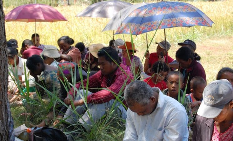 Evanghelizări pe stradă și plantări Biserici