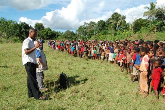 Constructii Biserici Jungla Manakara