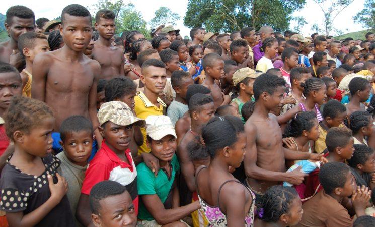 Evanghelizare in satele izolate de la capatul lumii: Moroteza, Karianga, Karimbary si altele