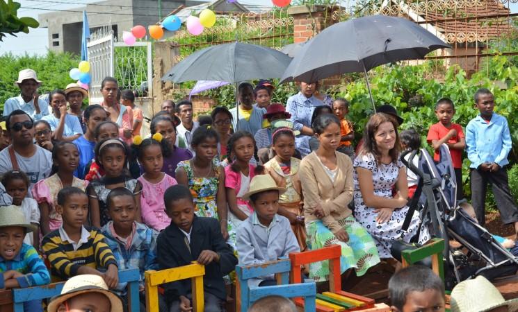 70-80 de copii la întâlnire